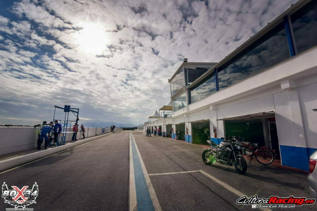 Curso conducción moto circuito de Guadix