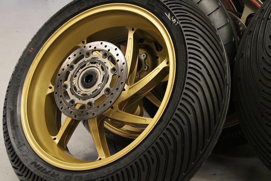 neumáticos de moto de competición