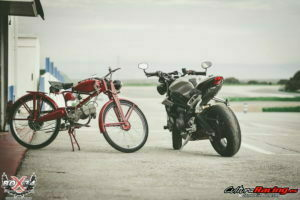 motos en pitlane